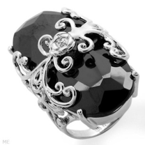 Dazzling silver ring with black cubic zirconia