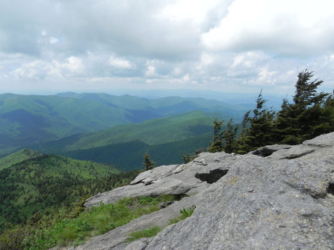 Hiking in North Carolina - Hike the Great Smoky Mountains and protect your head from the sun