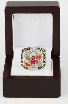 Detroit Red Wings 2002 Stanley Cup Championship Replica ring