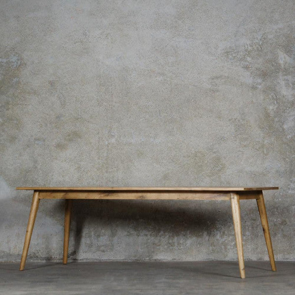 Vaasa Oak Dining Table