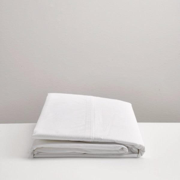 white cotton flat sheet