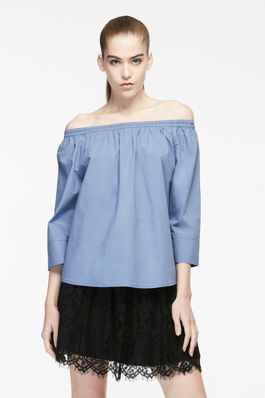 GATHERED NECKLINE BLOUSE