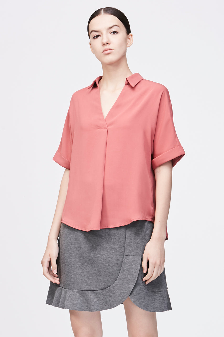 COLLAR PLEATED BLOUSE