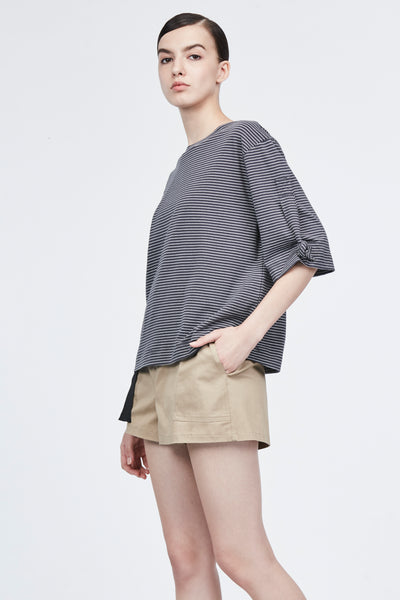 KNOTTED SLEEVES TEE