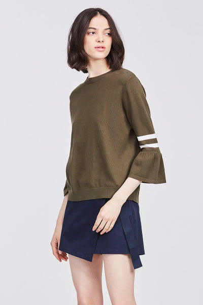 BELL SLEEVED KNIT BLOUSE
