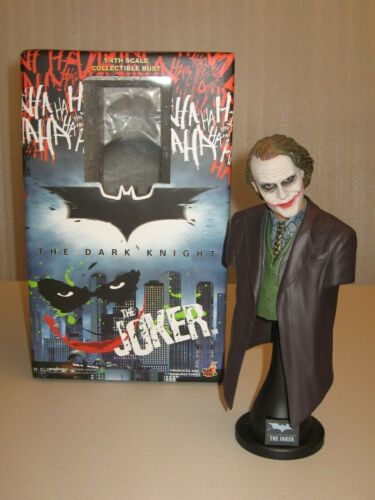 (DST) HOT TOYS DARK KNIGHT JOKER BUST