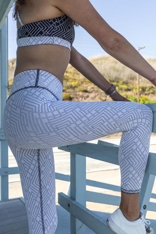 April Reversible Legging - Black/White