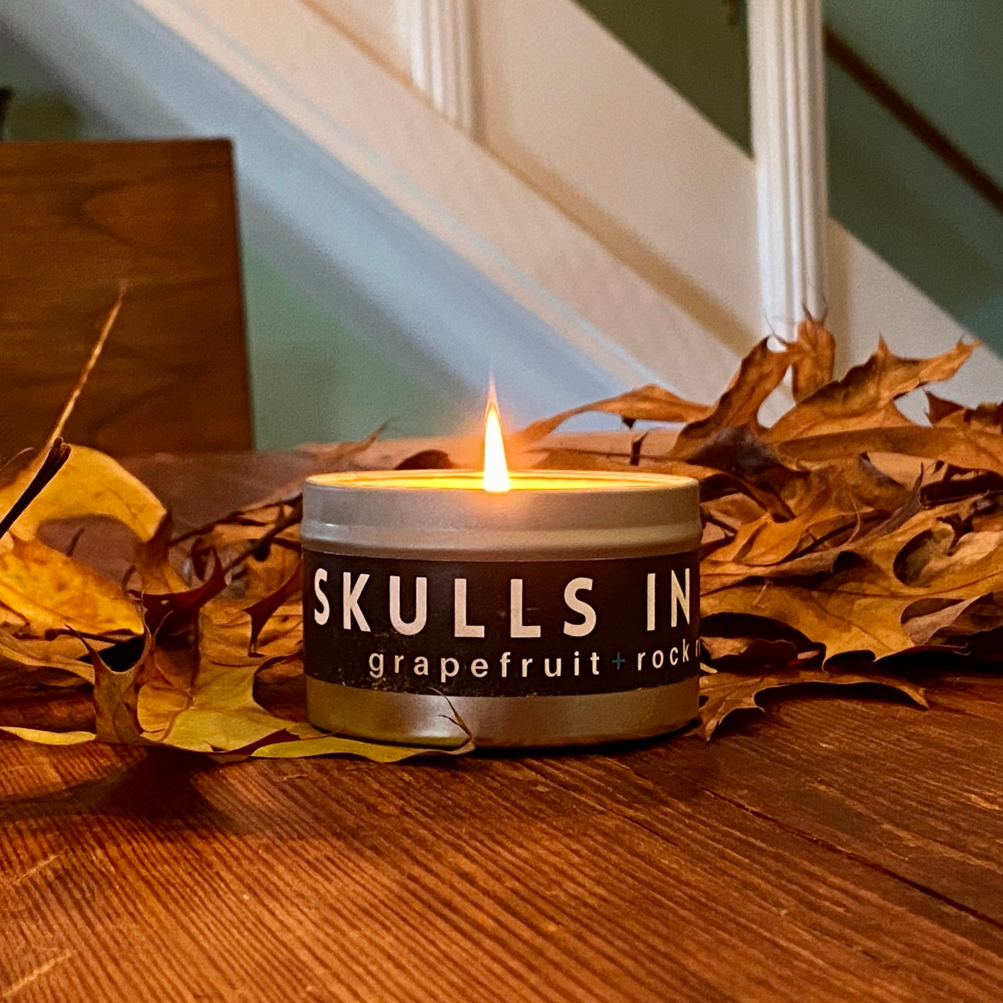 Skulls in The City Travel Candle