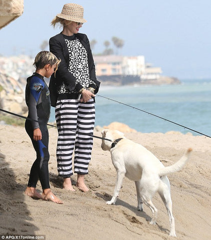 Celebrity Gwen Stephai covered up at beach with son Kingston