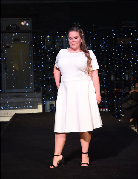 cream-full-skirt-pockets-shani-segev modest fashion