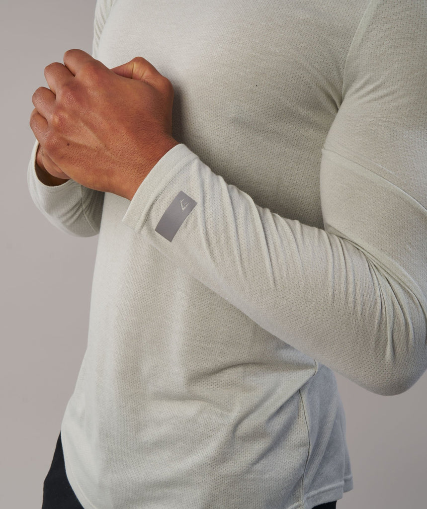 Gymshark Perforated Longline Long Sleeve T-Shirt - Pastel Green 5
