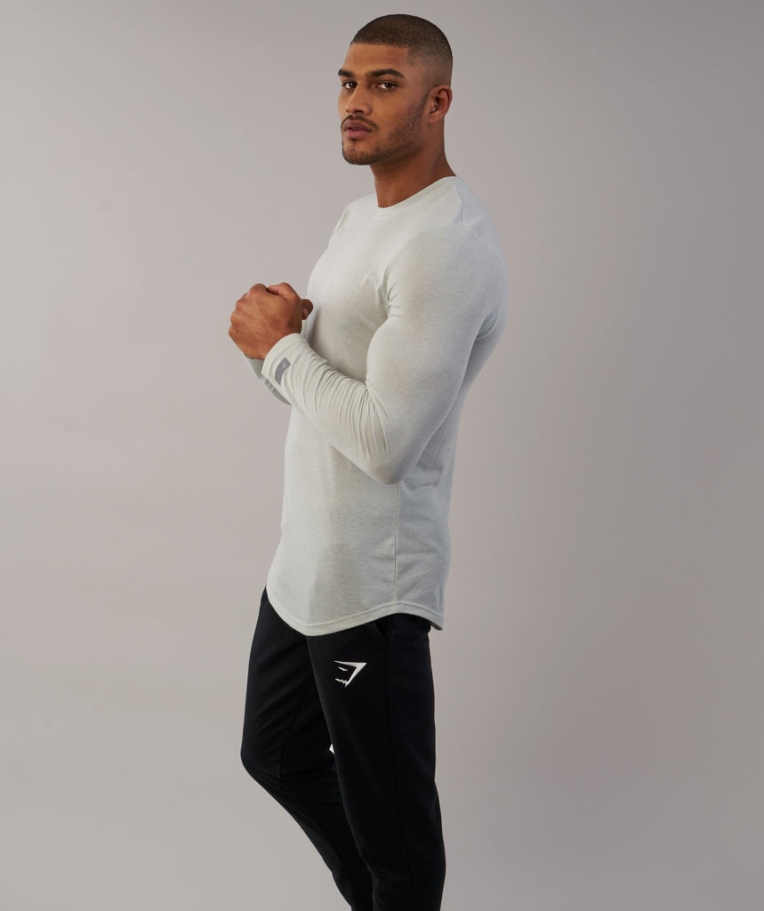 Gymshark Perforated Longline Long Sleeve T-Shirt - Pastel Green 6
