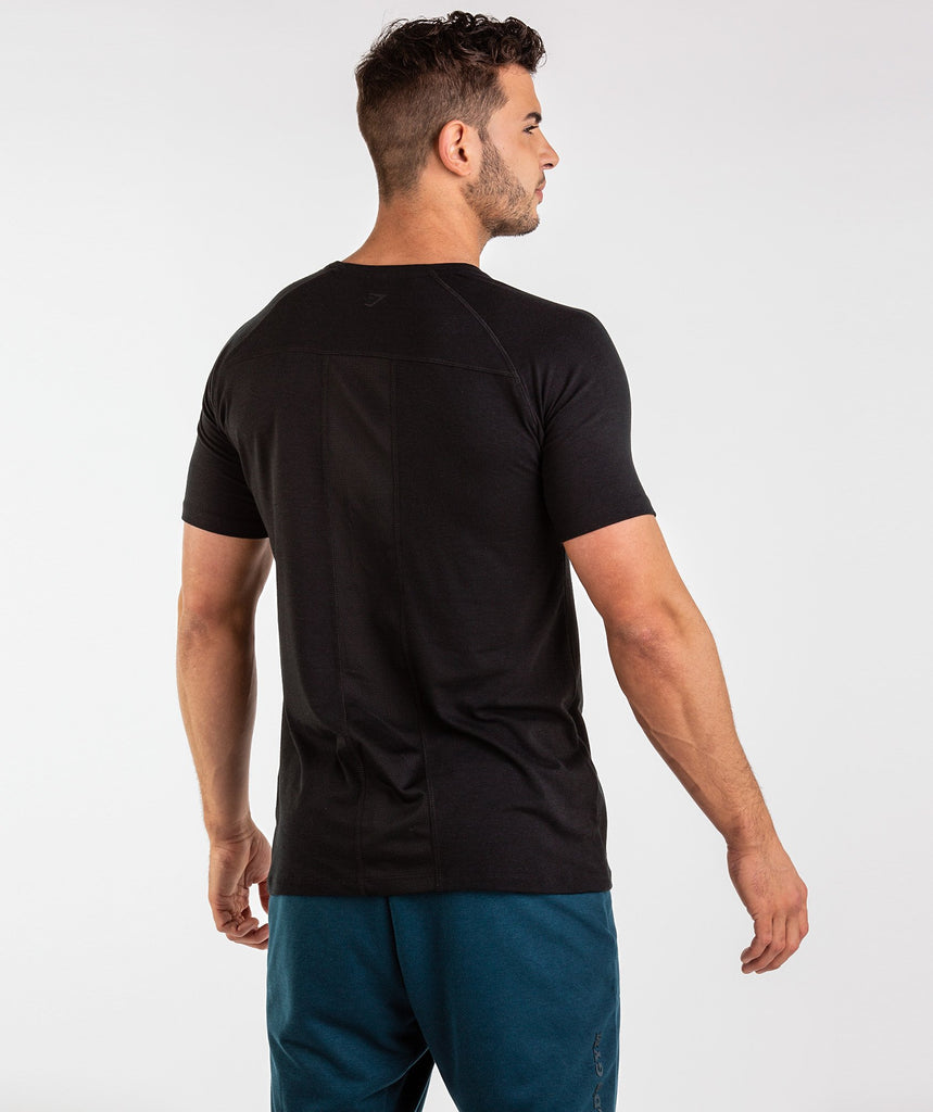 Gymshark Golds Gym T-Shirt - Black 2