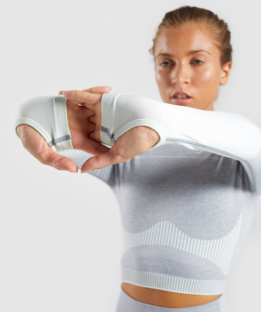 Gymshark Amplify Seamless Long Sleeve Crop Top  - Light Grey Marl/Sea Green 5