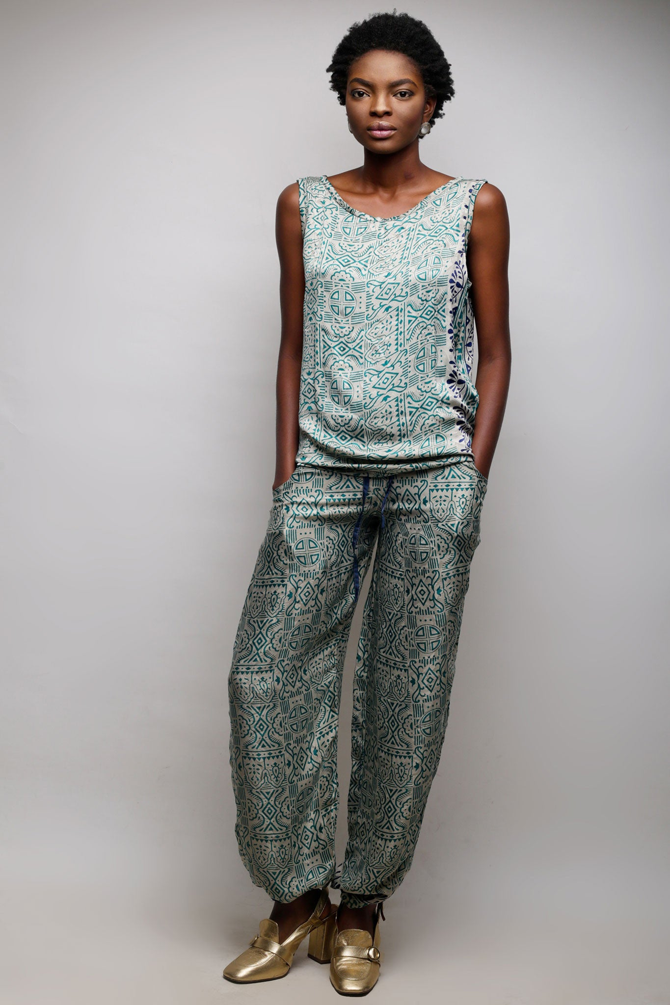 Tourqouise Kaftan / Sleeveless Top with Pants