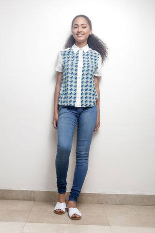 Geometric Print Shirt with Contrast Collar