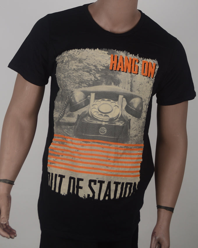 Hang On Phone T-shirt - XL