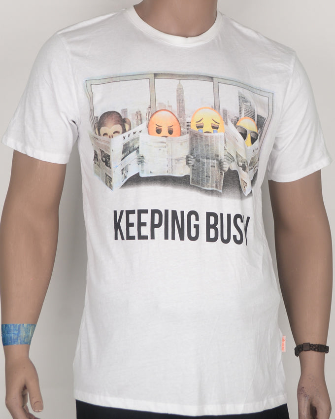 Keeping Busy Print White T-shirt - Large