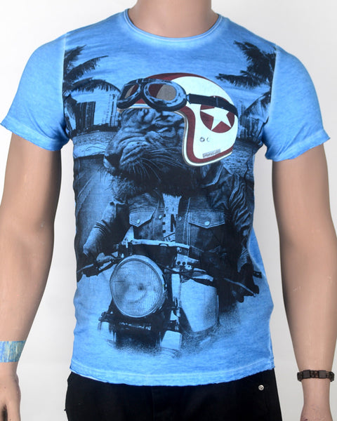 Lioness Rider Blue- T-shirt - Small