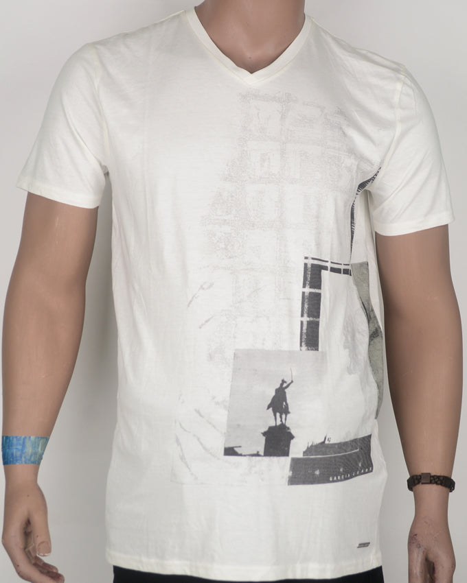 Abstract Man on Horse Print White T-shirt - Large