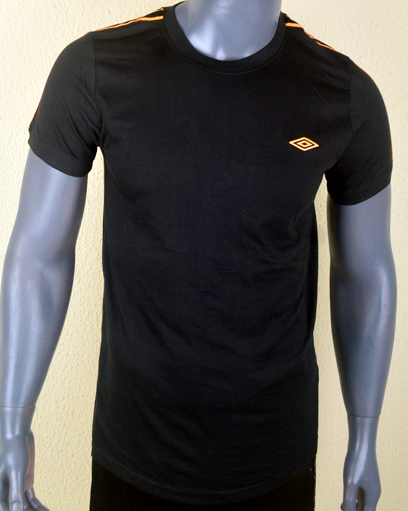 Umbro Black T-shirt - Large