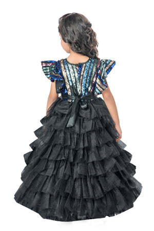 Black Ruffle Beauty