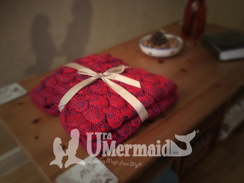 Mermaid blanket in red by Uramermaid