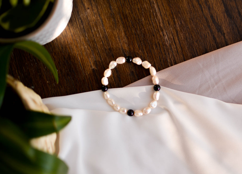 White Baroque Pearl and Onyx Bracelet - Pearls4Girls