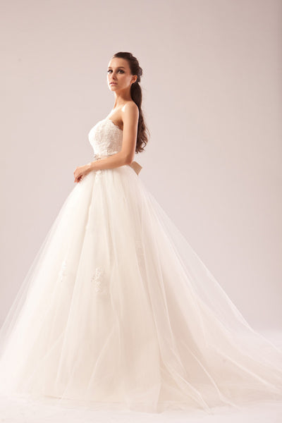Tulle and Lace A line wedding dress
