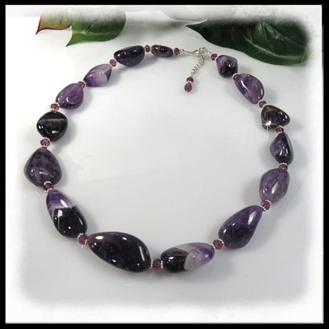 Amethyst large nuggets and crystals beaded necklace.
