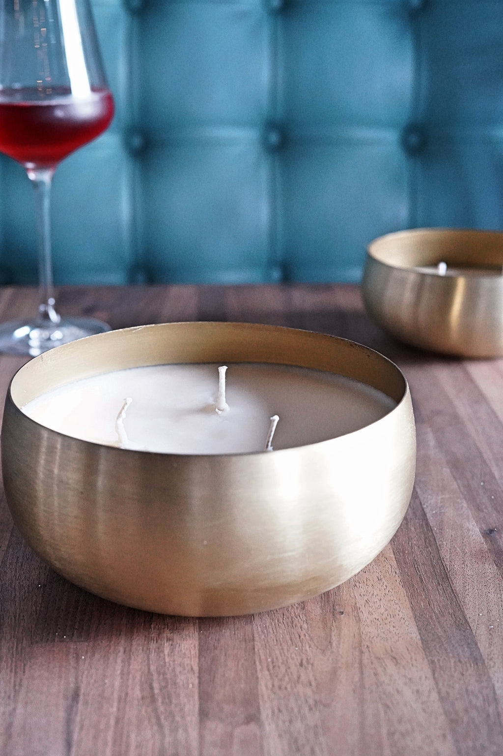 Rosé Large Gold Bowl 30 oz. Candle