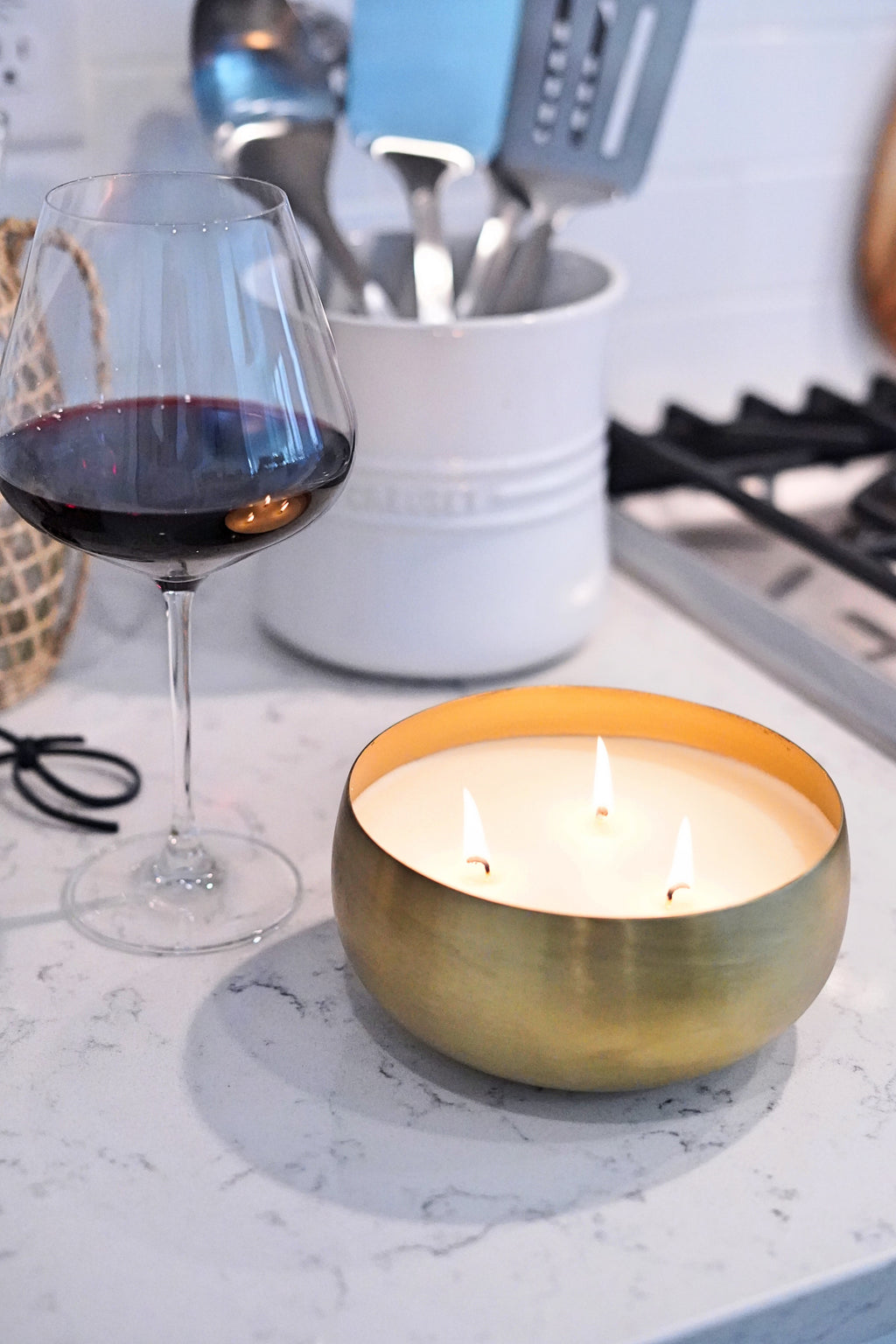 Pinot Noir Large Gold Bowl 30 oz Candle