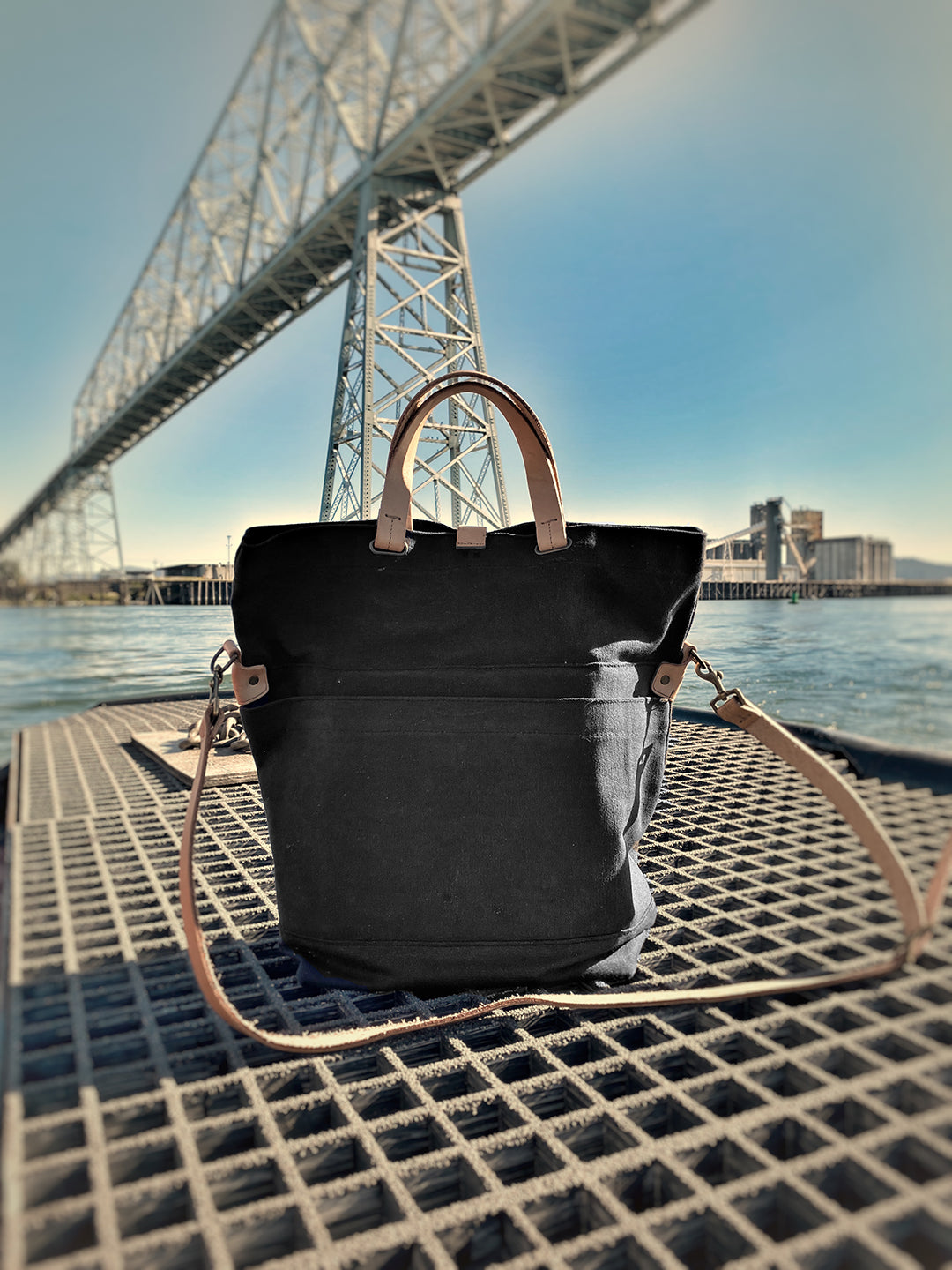 Portland Made | MG Canvas + Leather Messenger (charcoal)