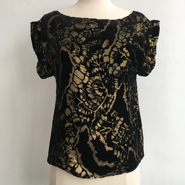 Alice Olivia NWT Velvet and Gold Top
