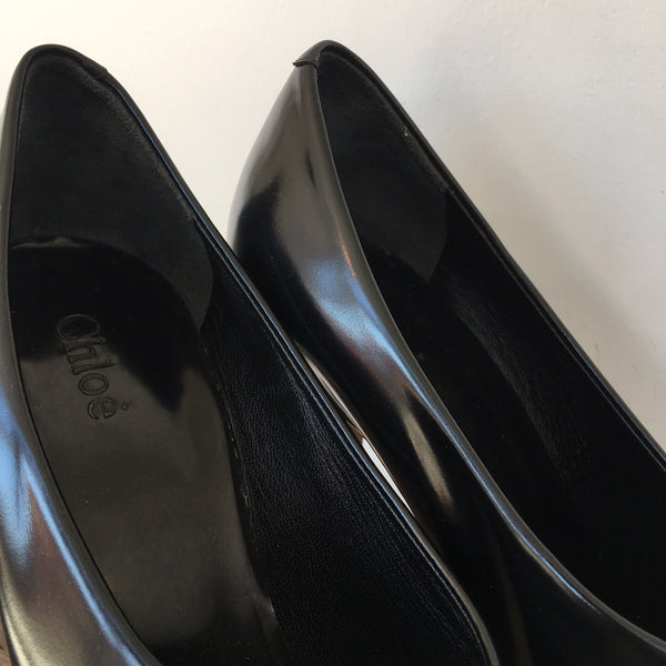 Chloe Black Round Toe Pump