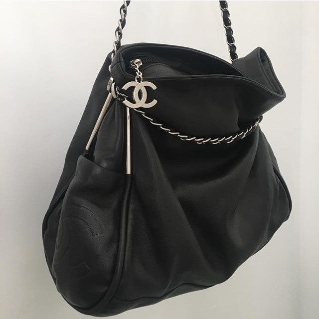 CHANEL Large Ultimate Tote