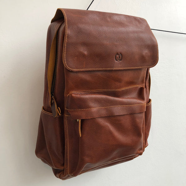 DesignsbyTHOR Large Pebbled Leather Backpack