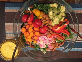 Colorful Summer Salad with Turmeric Tahini dressing!