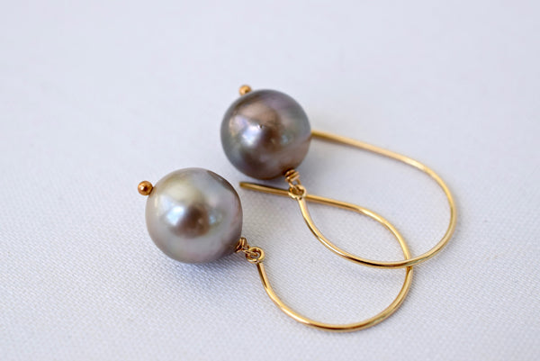 Limited Edition Large Tahitian Pearls on Gold - MILK VELVET PEARLS
