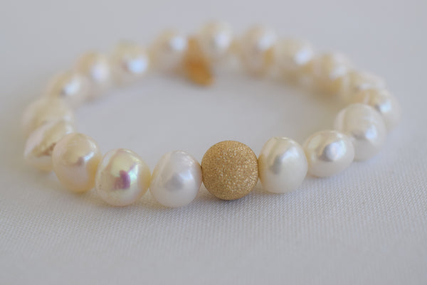 Gold Stardust with White Pearls - MILK VELVET PEARLS