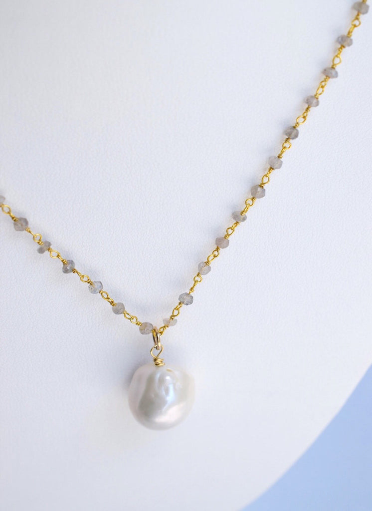 Precious Jewels Necklace - MILK VELVET PEARLS