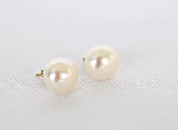 Baroque Freshwater Pearl Stud Earrings - MILK VELVET PEARLS