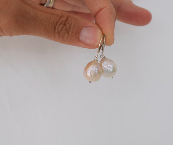 Saltwater Pearl Earrings (pink champagne)