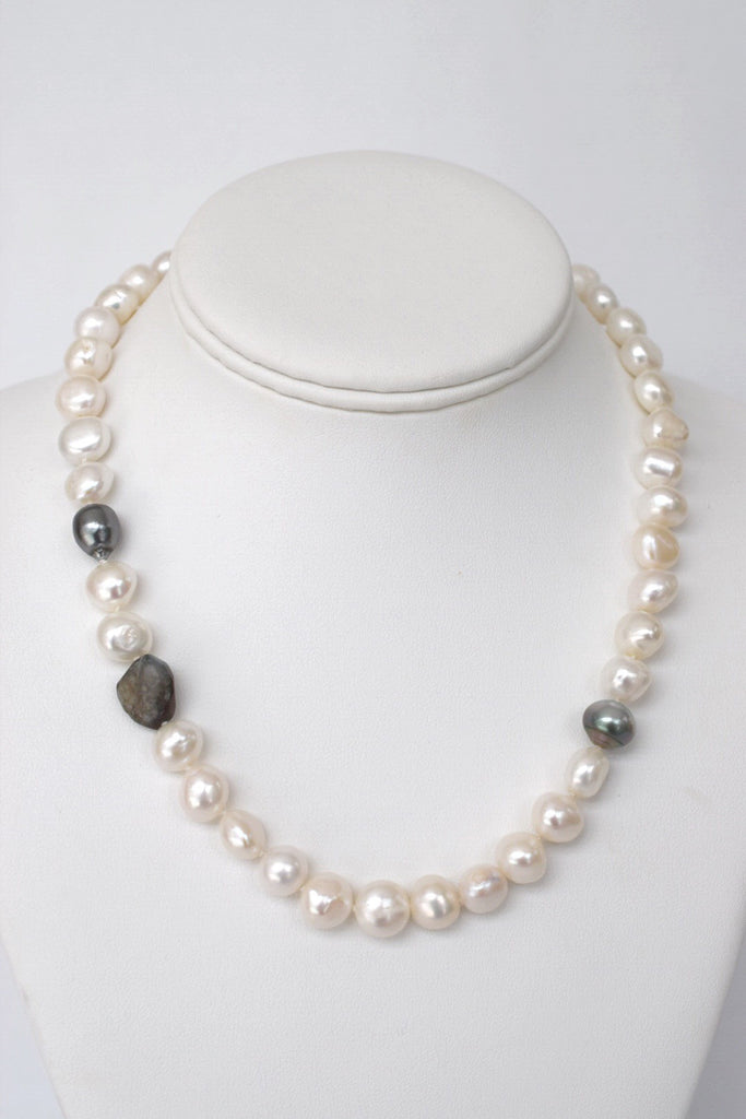 Baroque Pearl Strand with Tahitians & Labradorite