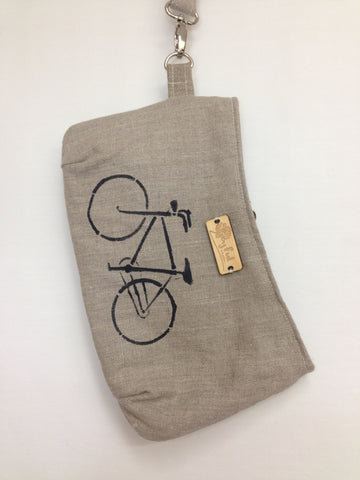 Mandy | vintage bicycle on natural linen