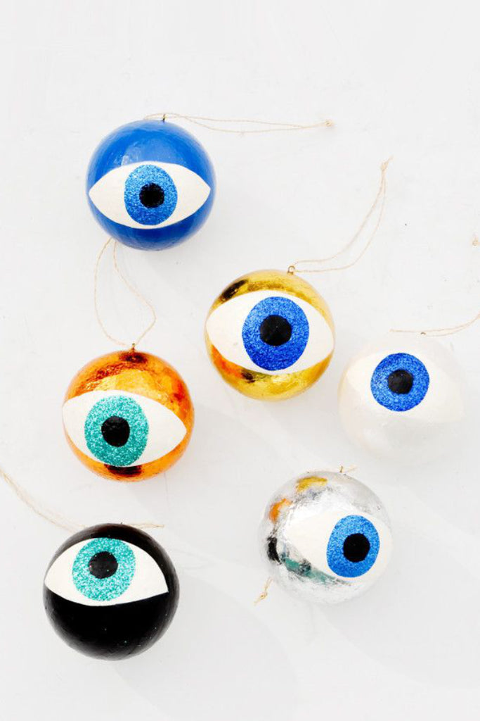 EYEBALL XMAS ORNAMENT