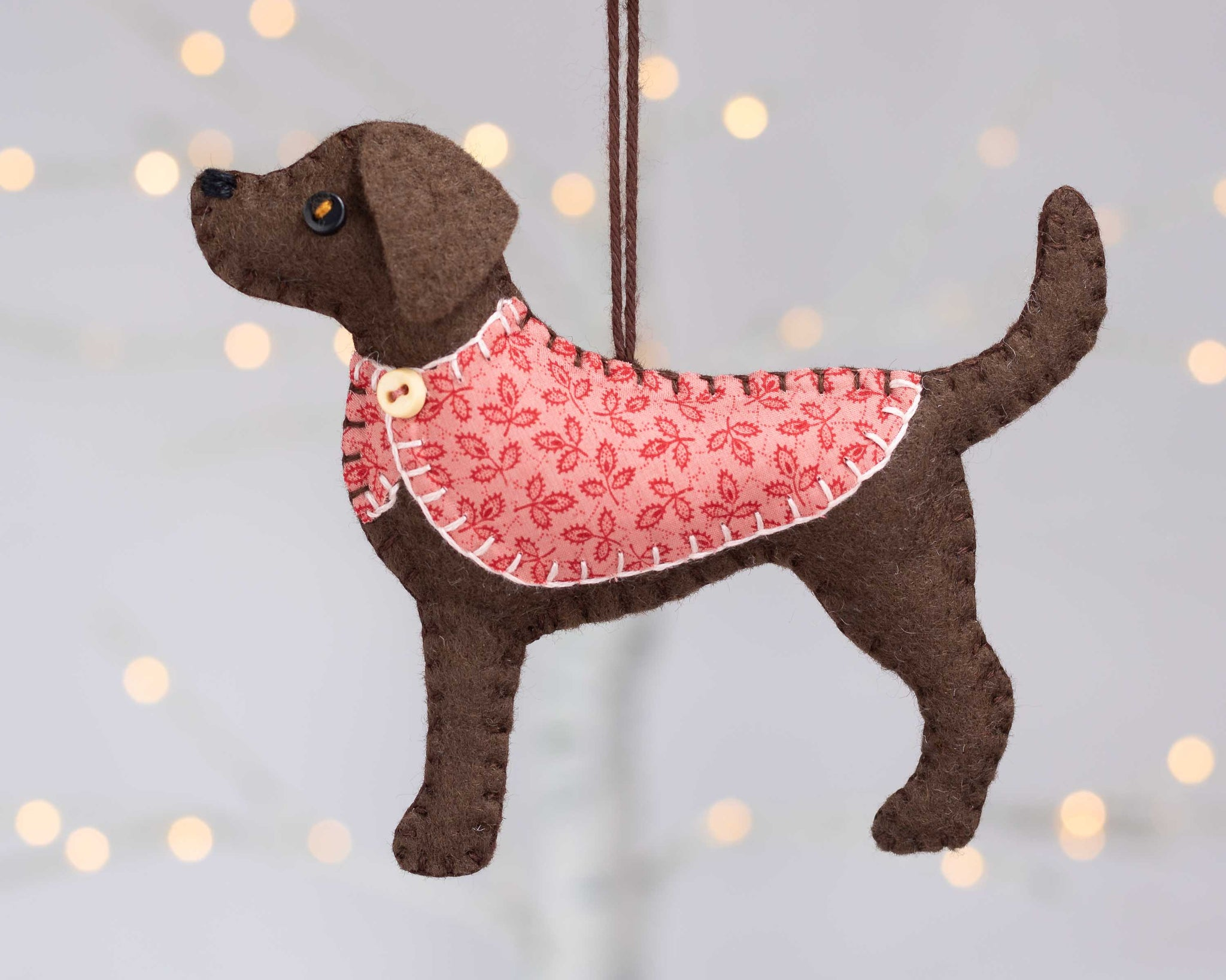 Chocolate Labrador Christmas ornament – Tilly & Puffin