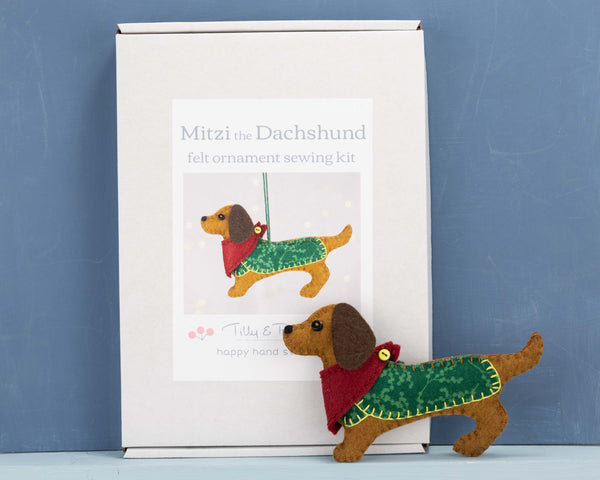 Dachshund felt sewing kit
