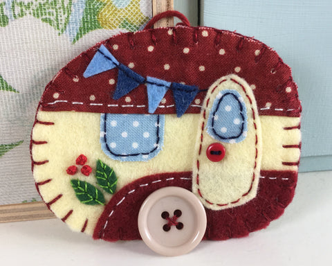 Felt Caravan Ornament in vintage red