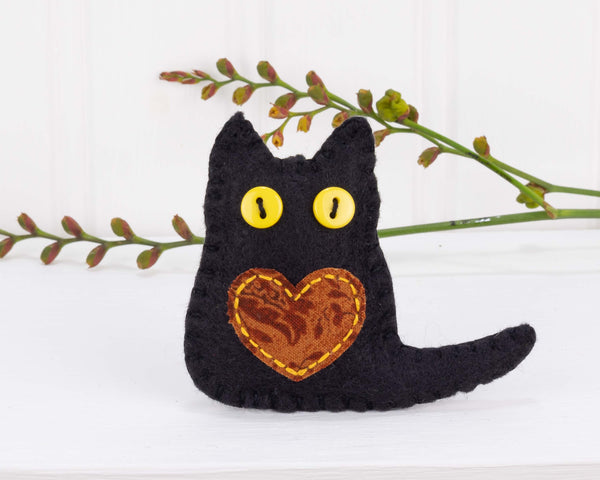Black cat felt ornaments for Autumn, Fall, Halloween decorating